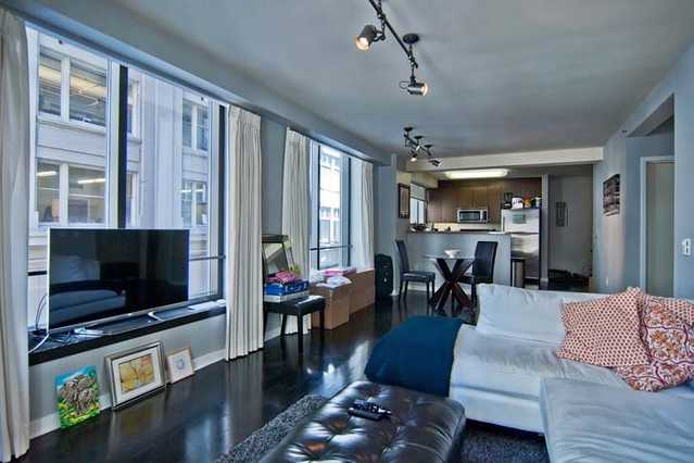 Modern 1 Bedroom Apartment At Nob Hill / Downtown