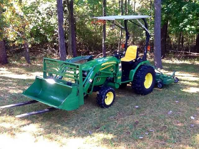 2008 John Deere 2520 4wd Tractor Loader / Attachments