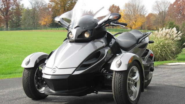 2011 Can - Am Spyder