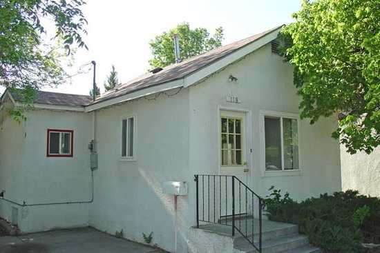 One Bedroom House, Washer / Dryer Hook - Ups, Gas Range,