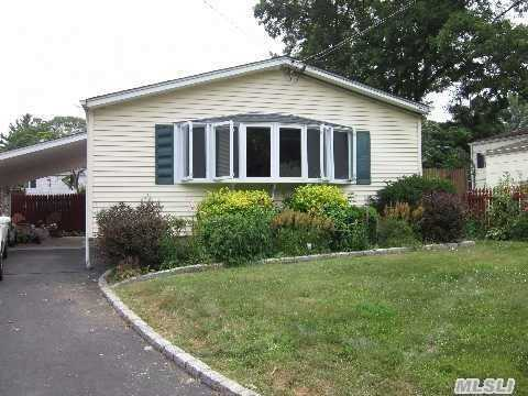 Lovely 3 Bdrm / 3 Full Bath Ranch W / 2 Car Garage On A Cul - De - Sac /