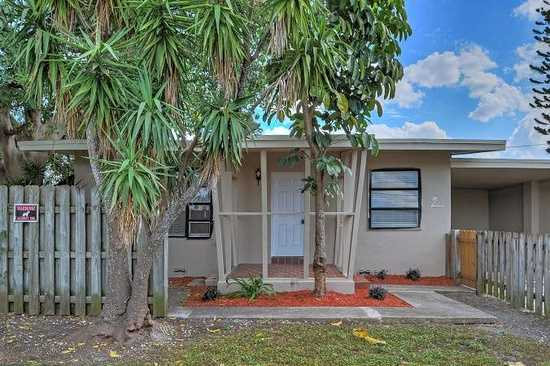 Enjoy The South Florida Lifestyle In. This Pet Friendly, 1 Bedroo