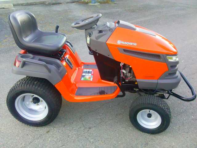 Near - New Husqvarna Lgt2654 Lawn Tractor & 54 Inch Mower Deck
