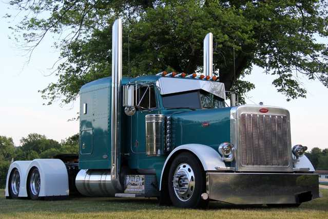 Peterbilt 379 Exhd Flat Top C - 16 Cat Diesel 486k Original Miles