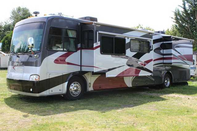 2004 Tiffin Allegro Bus