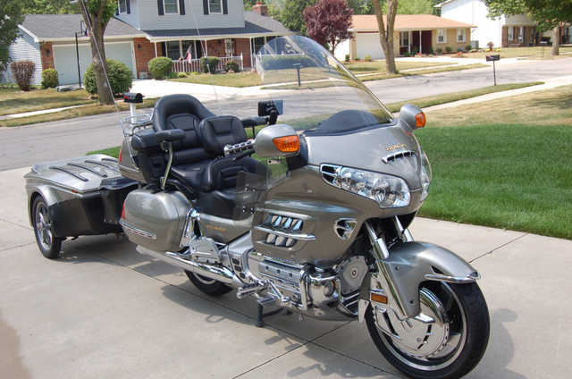 2002 Honda Goldwing 1800 Non Abs With Matching Bushtec Trailer