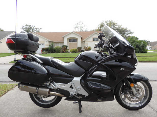 2006 Honda Black St1300a Abs