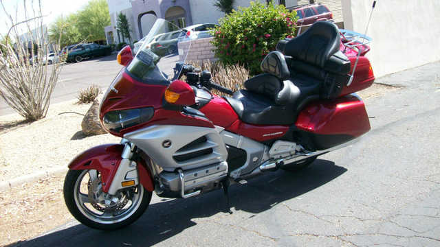 2012 Honda Goldwing Gl1800 Wpremium Audio And Comfort Package
