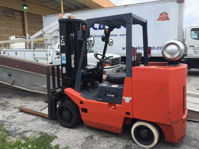 Forklifts / Racking / Handling Equipment Auction