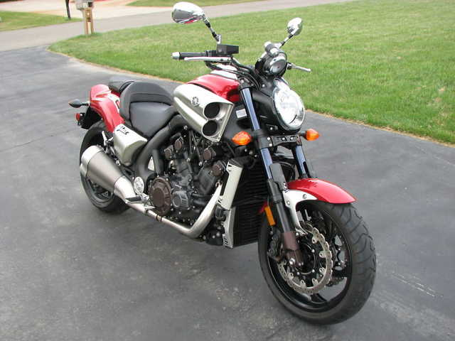 2010 Yamaha V - Max 1700cc Fuel Injected Muscle Bike None Nicer