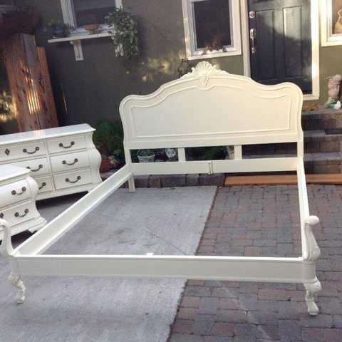 Vintage French Provincial Cal King Bed