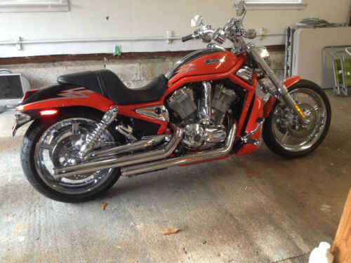 2005 Harley - Davidson Vrsc At $2500