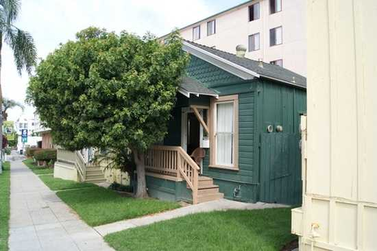 Small Charming House In The Heart Of San Diego