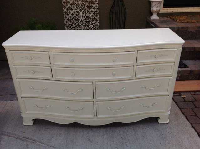 Beautiful 10 Drawer Princess Dresser With Mirror