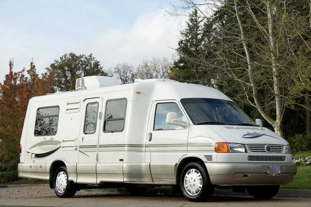 2002 Winnebago Rialta 22hd At $3800