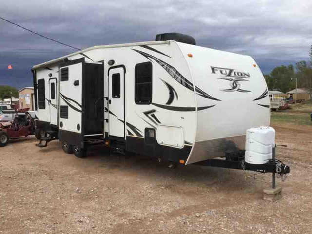 2012 Keystone Fuzion Fz301 Toy Hauler At $4000