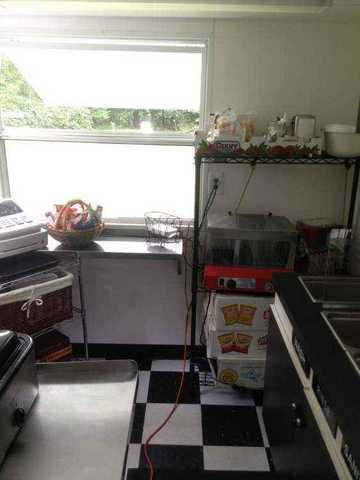 I Sell 2002 Food Concession Trailer