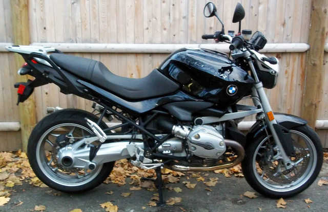2009 Bmw R1200r Akrapovic Exhaust, Abs, Heated Grips