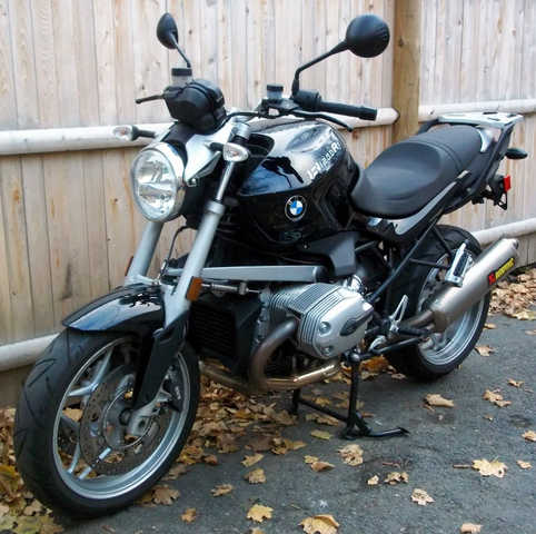 2009 Bmw R1200r Akrapovic - Exhaust, Abs, Heated Grips