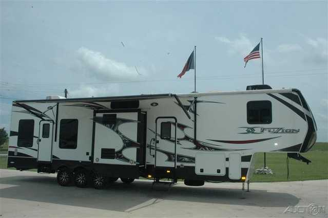 2012 Keystone Fuzion 399 Toy Hauler At $7000
