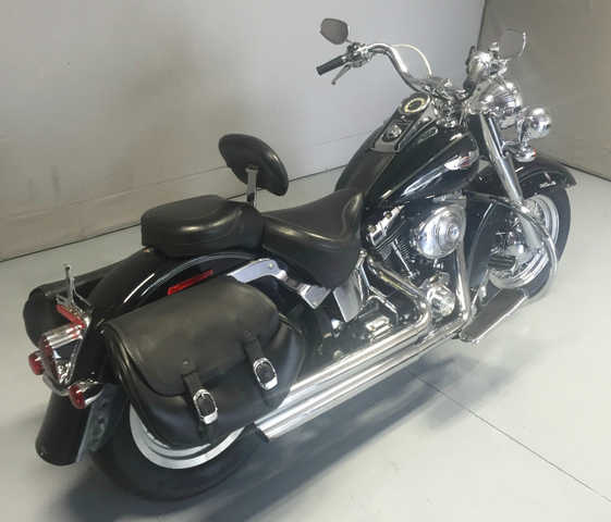2005 Harley - Davidson Flstni Softail Deluxe With Saddlebags