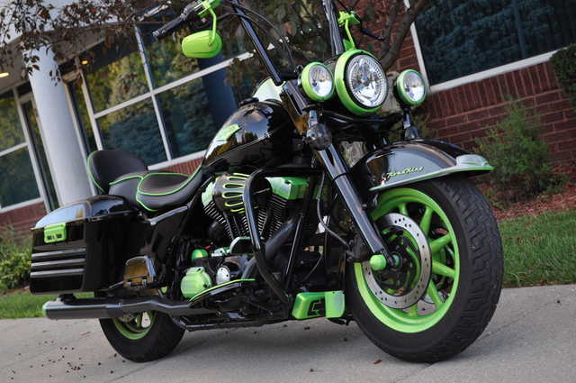 2007 Harley - Davidson Road King - Customized, Ape Hangers, Hard Ba