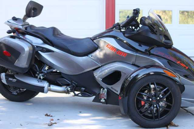 2011 Can - Am Spyder At $3000