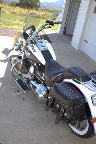 2007 Harley Davidson Softail Deluxe ^ Blue And White