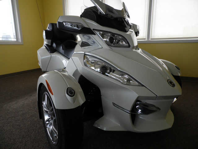 2011 Can - Am Rt Limited At $3500