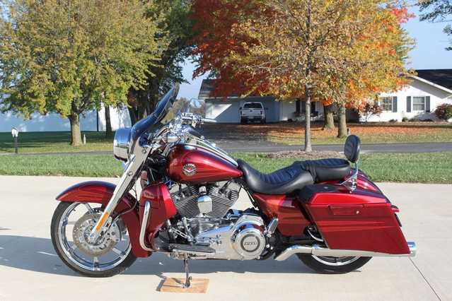 2013 Harley - Davidson Touring Cvo Eagle Road King Screaming Eagle