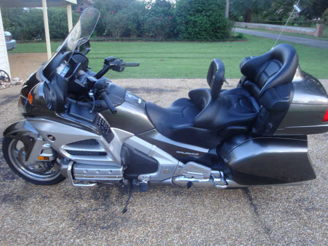 2013 Honda Gl1800 Goldwing Audio And Comfort