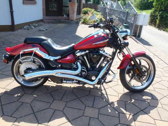 2008 Yamaha Raider - Super Clean - Low Mileage - Lots Of Extras