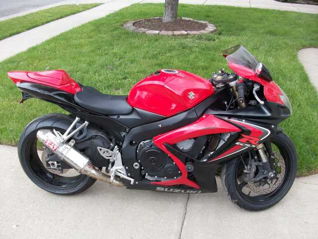 2006 Suzuki Gsx - R 600, Red And Black Sport Bike