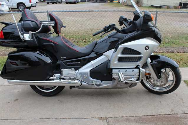2012 Honda Goldwing Showroom Condition 1500 Miles