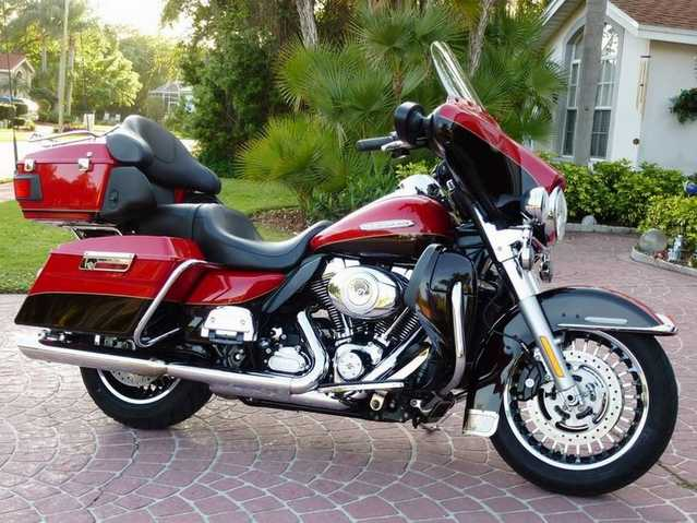 2011 Harley - Davidson Flhtk Ultra Classic Limited Edition