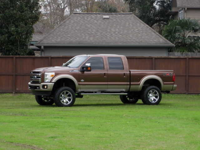 2011 Ford F - 250 4x4 At $5000