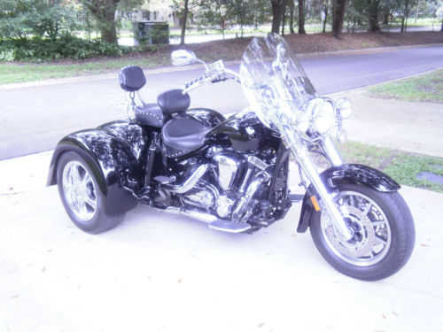 Always Garaged 2005 Yamaha Road Star 1700cc
