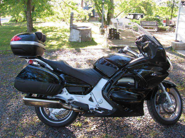 2006 Honda St 1300 Black Sport Touring Motorcycle Extremely Clean