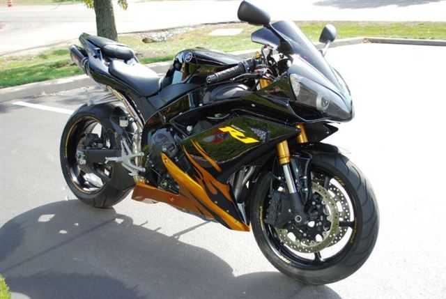 Very Very Good Conditions 2008 Yamaha Yzf - R1