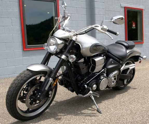 Never Been Down 2009 Yamaha Road Star Warrior 1700 Silver