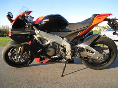 Garage Kept 2010 Aprilia Rsv4 Factory Garage Kept