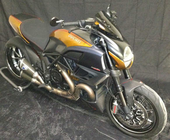 2excellent Paint 011 Ducati Diavel Carbon Excellent Paint