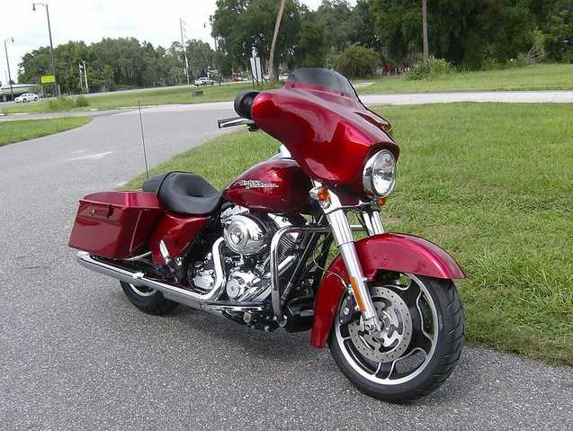 Immaculate Condition 2011 Harley - Davidson Touring Street Glide