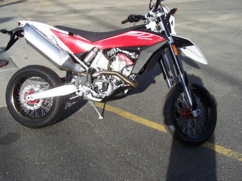 Very Cool 2011 Husqvarna Te 511 Supermoto Very Cool