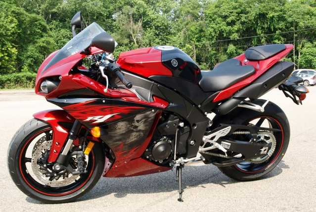 Great Riding Condition 2011 Yamaha R1 Yzf - R1