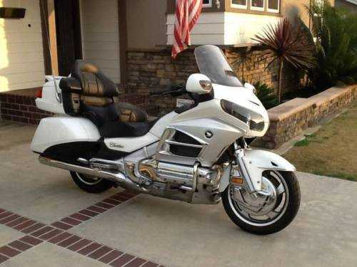 2012 Honda Gold Wing At $3000