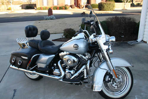 Always Garaged 2010 Harley - Davidson Touring Road King Classic