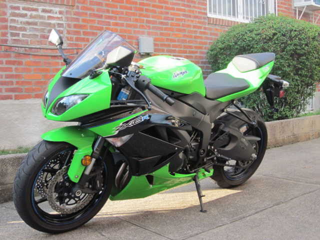 Pristine Condition2012 Kawasaki Ninja Z. X.6. R Pristine Conditions