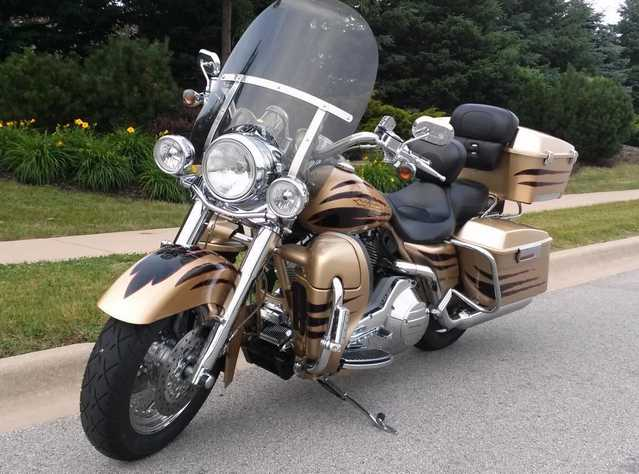 Pristine Conditions 2003 Harley Road King Cvo Pristine Conditions