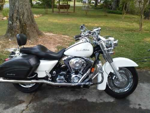 Never Been D2005 Harley Davidson Road King Custom Never Been Down